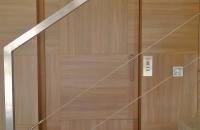 ascensor-unifamiliar-con-puerta-paneleda-pemih-elevadores