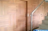 elevador-vertical-con-puerta-panelada-pemih-elevadores