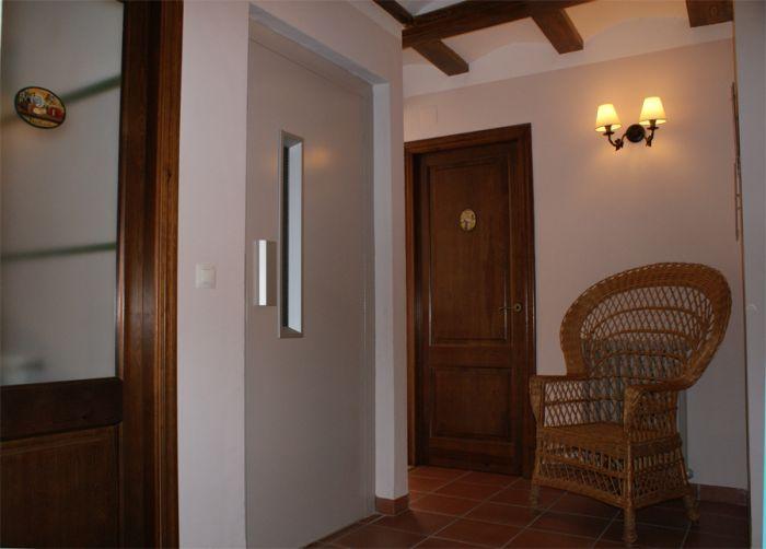 Instalación de elevador en vivienda unifamiliar , castellón.