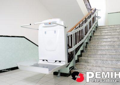 Salvaescaleras para escaleras con curvas