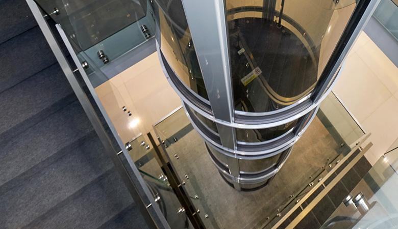 emih Elevadores ofrece ascensores neumáticos en Castellón, Benicassim, Vilareal y Oropesa.